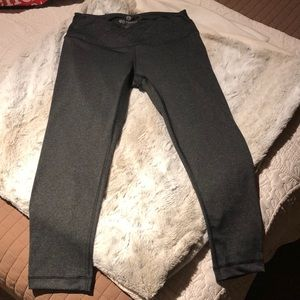90 Degree Athletic Capri Leggings